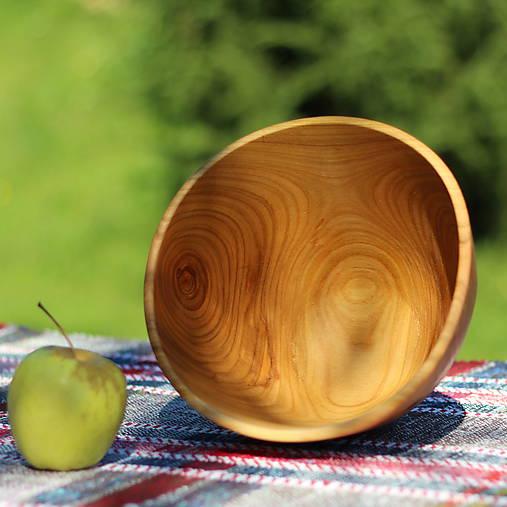 Miska z čerešňového dreva