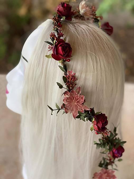 """Kvetinový pletenec """"kým vychladne čaj"""""""