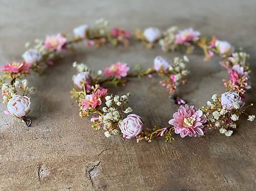 "Kvetinový pletenec ""s tebou, láska"""