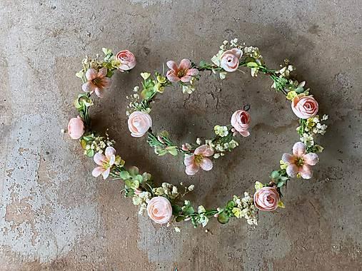 """Kvetinový pletenec """"pohladenie duše"""""""