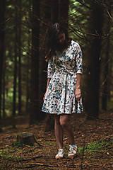 Šaty - Kvetované zavinovacie šaty  - 12236054_