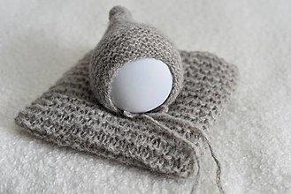 Detské čiapky - Newborn čiapočka - pixie, s bambuľkou (Šedobéžová) - 12235907_