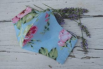 Rúška - dvojvrstvové rúško-kvety na modrej - 12238057_