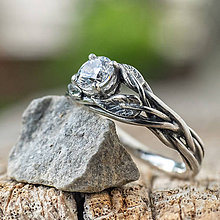 Prstene - Snubáčik zdobený lístkami - 12241655_