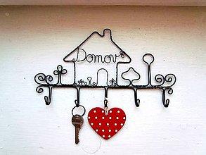 Nábytok - vešiak na kľúče (21 cm- 22 cm) - 12239612_