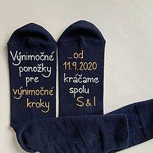 Obuv - Maľované ponožky pre ženícha (tmavomodré) - 12252257_