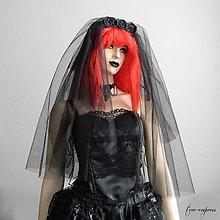 Ozdoby do vlasov - Gotický čierny svadobný závoj - 12255734_
