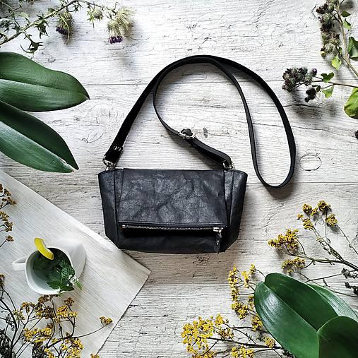 Kabelka CUTE bag - čierna s matným leskom