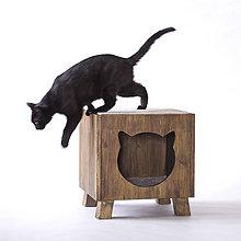 Pre zvieratká - Mačací domček na nožičkách, tmavohnedý - 12255404_