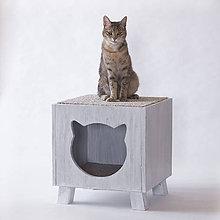 Pre zvieratká - Mačací domček na nožičkách, biely - 12255443_