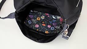 Kabelky - Kabelka- lúčne kvety na čiernej  - 12254137_
