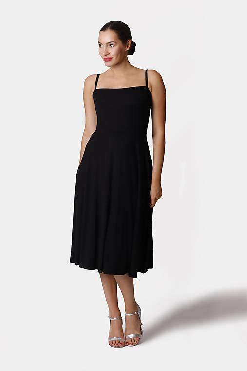 Šaty - Šaty midi s kruhovou sukňou a ramienkami - 12261249_