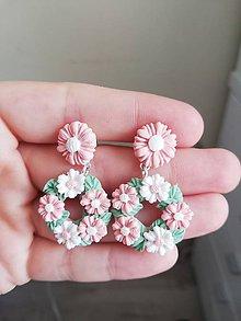 Náušnice - Jemné ružove venčeky. NAPICHOVACIE NÁUŠNICE - 12262231_