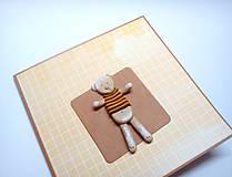 Papiernictvo - Pohľadnica ... macko v tričku - 12264285_