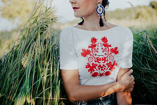 tričko potlač Sága krásy