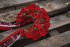 Ozdoby do vlasov - XXL kvetinová bohato zdobená folk parta červená - 12267574_