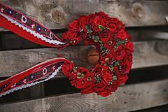 Ozdoby do vlasov - XXL kvetinová bohato zdobená folk parta červená - 12267575_