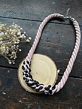 Náhrdelníky - Pudrový náhrdelník s vločkovým obsidiánem - 12265923_