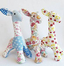 Hračky - veselá žirafka - 12267293_