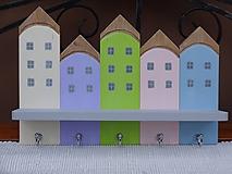 Nábytok - Veselý domčekový vešiak - 12269562_