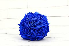 Kytice pre nevestu - Saténová kytica svadobná kráľovská modrá ruže (kytica) - 12269997_
