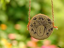 náhrdelník: zakvitnutá hlávka