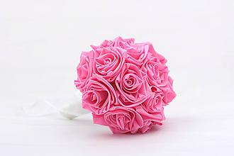 Kytice pre nevestu - Saténová kytica svadobná ružová sýta ruže - 12279274_
