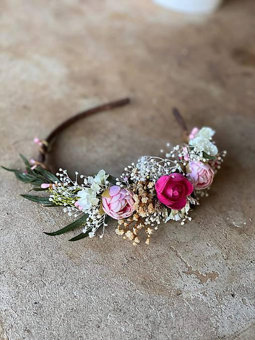 """Kvetinová čelenka """"snívam si o láske"""""""