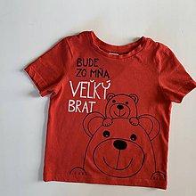 """Detské oblečenie - Maľované tričko s nápisom """"Bude zo mňa veľký brat"""" ( (ČERVENÉ S MACÍKMI) - 12277514_"""