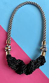 Náhrdelníky - Černé uzlíky na šedém laně s malovanými korálky - 12291487_