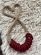 Náhrdelníky - Bordo kroužky na béžovém laně - 12291534_