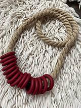 Náhrdelníky - Bordo kroužky na béžovém laně - 12291535_