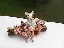 Dekorácie - Jesenný aranžmán ...myška má už plnú komôrku ... - 12294708_