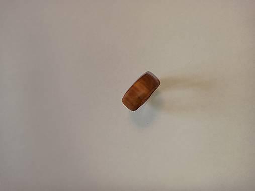 Drevený prsteň čerešňa