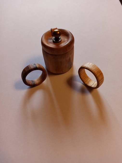 Drevený prsteň jaseň