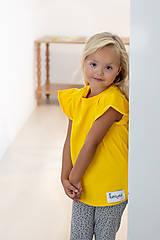 Detské oblečenie - Dievčenské tričko s volánikom - 12292624_