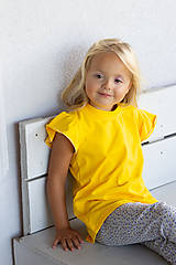 Detské oblečenie - Dievčenské tričko s volánikom - 12292626_