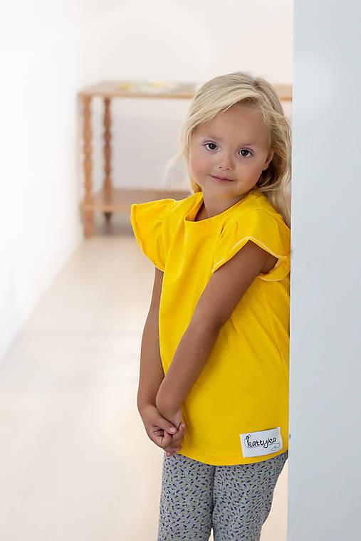 Dievčenské tričko s volánikom