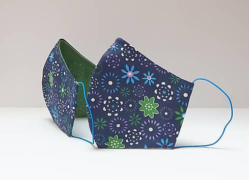 Tvarované dvojvrstvové rúško - DROBNÉ KVIETKY (12 cm)
