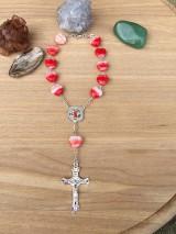 Iné šperky - srdiečkový ruženec do auta so sv. Krištofom - 12295017_