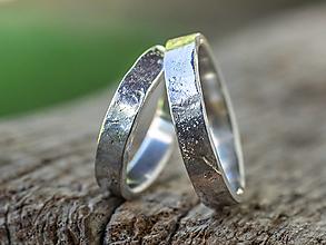 Prstene - Prežijú spolu večnosť ... hranatá varianta /svadobné obrúčky/ - 12297109_