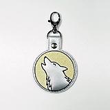 Kľúčenky - Prívesok vlk vyje na mesiac - 12299807_