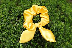 Saténová uškatá gumička žltá  yellow sun