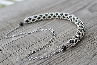 Náhrdelníky - náhrdelník dutinkový polovičný (náhrdelník čierno-strieborný) - 12300147_