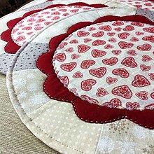Úžitkový textil - prestierania so srdiečkami - 12300703_