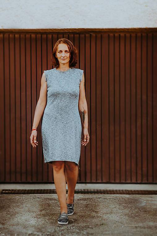 Šedá elegancia - mini šaty