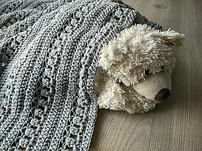 Úžitkový textil - Háčkovaná deka pre deti - 12311232_