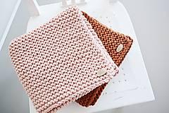 Úžitkový textil - Pletený koberček/predložka - škoricová - 12309337_