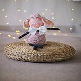 Hračky - Ovka nohatá s mosadznou rolničkou a mašľou (Béžová-staroružové-telové- bodkované ružové hnátiky) - 12309527_