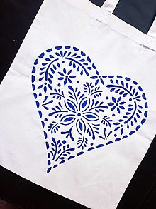 Nákupné tašky - •ručne maľovaná plátená taška - veľké ľudové srdce• - 12312592_